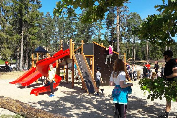 Valgehobusemäe Children's Playground