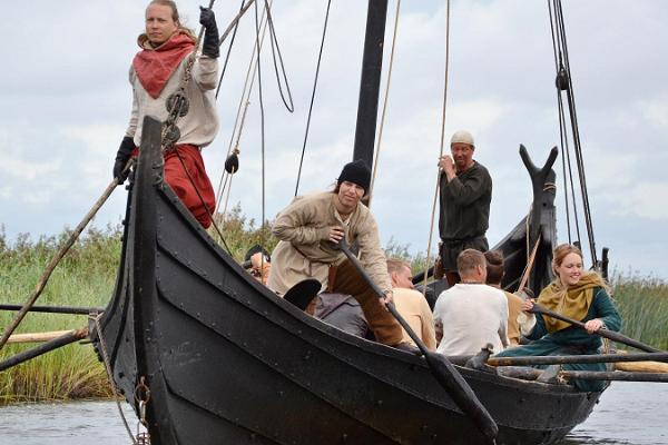 Kansainväliset viikinkimarkkinat Salmen rantapuistossa