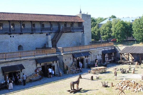 Дни мастерской по коже в Северном дворе Нарвского замка