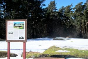 Kinhu vecā tautas nama piemiņas akmens