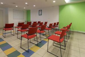 Центр семинаров и отдыха при тире TopGun