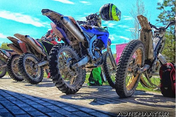 Enduro motociklu safari Aidu mākslīgajā apvidū