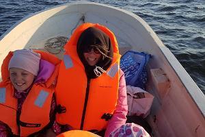 Pikapikaa pikaveneellä Kihnusta Munalaidiin ja päinvastoin
