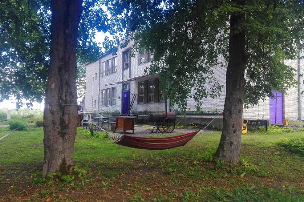 Padja-vanni-hostel i Pööravere (Kudd-badkar-hostel)