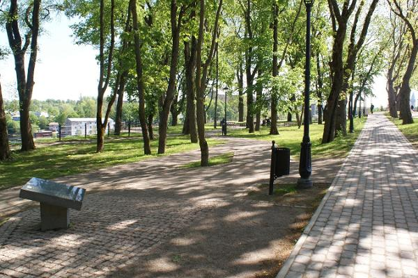 "Narva park ""Pimeaed"""