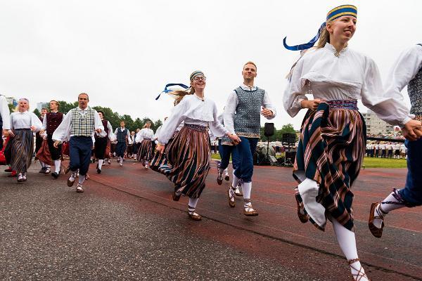 Kui kiiresti liiguvad eestlased?