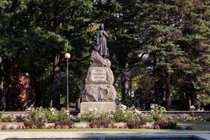 Lidijas Koidulas piemineklis