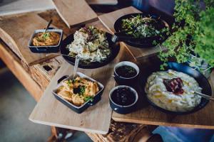 Schmackhafte Speisen im Restaurant Waksal Wabrik
