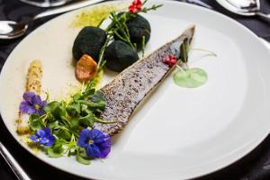 Show & Dinner restorāns Merineitsi