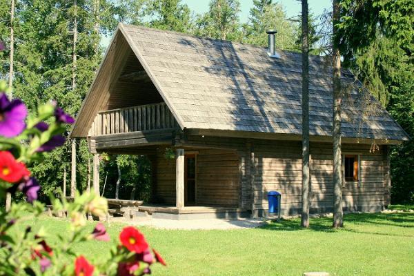 Die Ferienhäuser vom LaitseRallypark