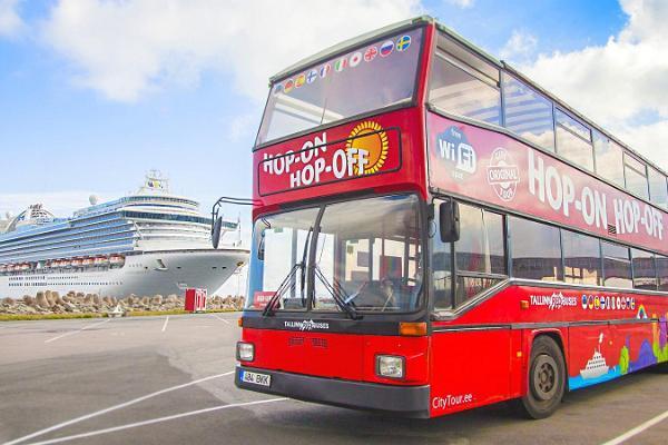 В автобусе Tallinn City Tour Hop On Hop Off по оранжевой линии