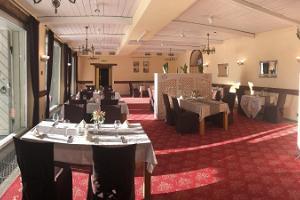 Mäetaguse mõisahotelli restoran Rosen sisevaade
