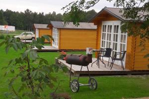 Домики для кемпинга на хуторе Пярнамяэ на острове Кихну