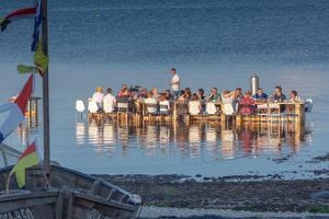Seminariruum üksikul saarel Viirelaiul