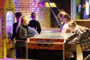 FK Arena - lāzeru spēļu zāle, disko telpa, Airsoft un piedzīvojumu spēļu istabas