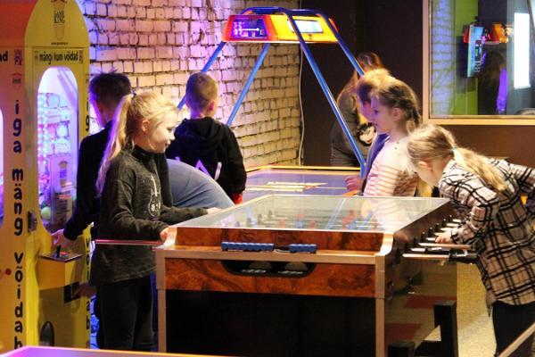 FK Arena - laserspelsal och flyktrum