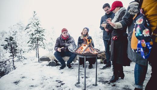 Talvine piknik lumises looduses