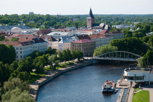 Arku tilts un kuģu kruīzi vasarīgajā Tartu