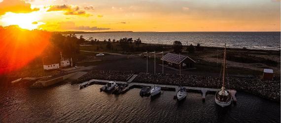 Purtse Yachthafen und Tulivee Restaurant