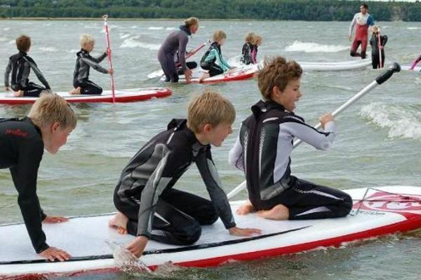 Fansurf Kakumäe Surfikool (surfarskolan)