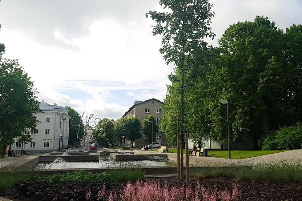 Памятник Юрию Лотману
