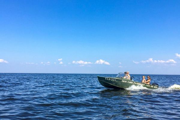 Guided tour – discovering the Onion Route by boat