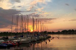 Segeln auf dem Fluss und in der Bucht Pärnu und auf die Kleininseln von Westestland.