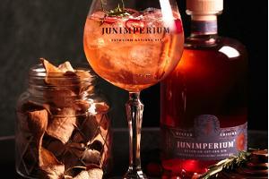 Ginbrennerei Junimperium