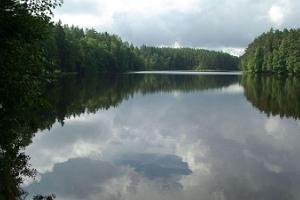 Järvi Pikkjärv ja telkimisala