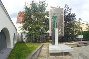 Monument to Jaan Tõnisson