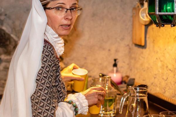 """Pastaiga Tallinas vecpilsētā ar studijas """"Örrekese"""" apmeklējumu"""