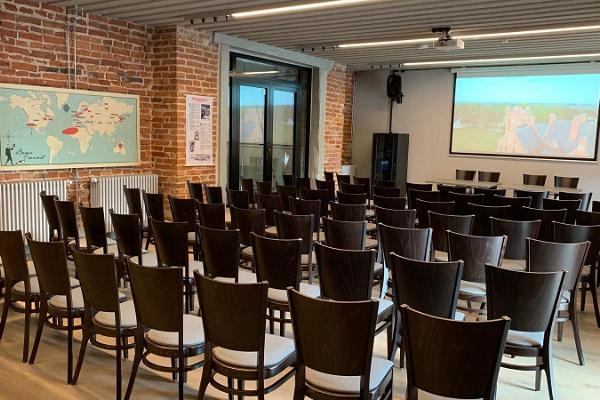Sangaste Mõisa ringtalli seminariruumid