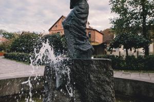 "Skulptur ""Pastorale an der Quelle"""