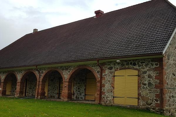 Lahmuse manor