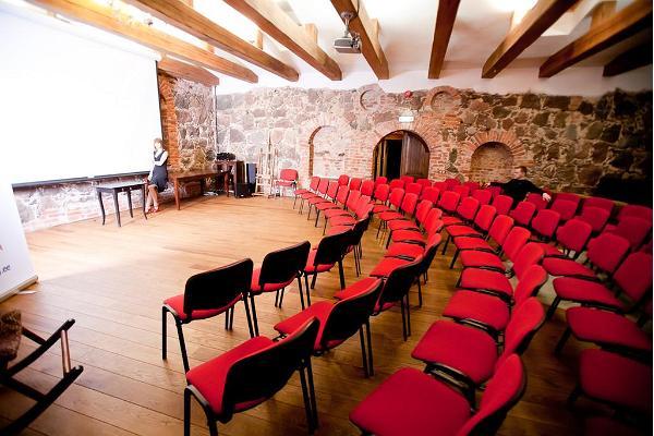 Mooste Mõisa Viinavabriku seminariruumid