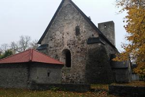 Käina church ruins