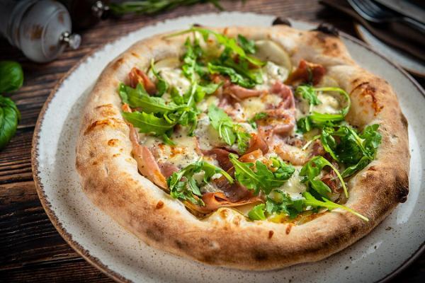 Ресторан и неапольская пиццерия La Cucina