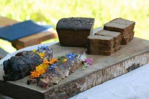 Saunaräucherfleisch und Winterbutter vom Bauernhof Mooska