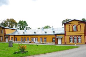 Palupera Manor Complex and the Yellow Window of National Geographic