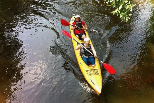 Izbraucieni ar kanoe laivām un smailītēm pa Medajegi upi