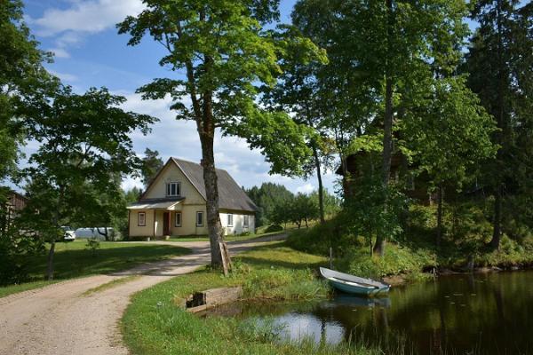 Ferienhaus Jõeniidu