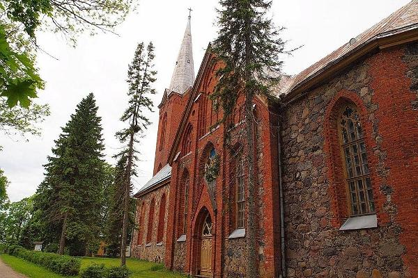 Церковь Андреаса ЭЕЛЦ (Эстонской евангелическо-лютеранской церкви) в Якси