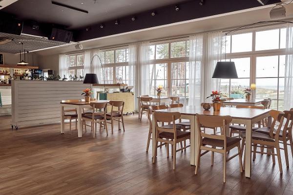 """""""Valkla Rand"""" pludmales restorāns"""