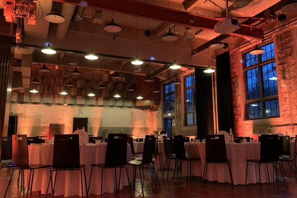 PROTO atklāšanas rūpnīcas konferenču telpas