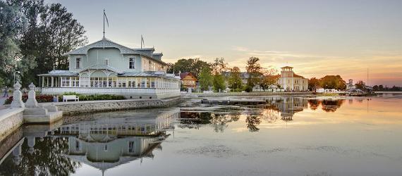 Promenade und Kursaal in Haapsalu