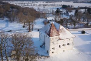 Purtse kindluse restoran Von Taube