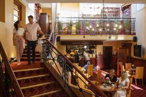 Отель Legend