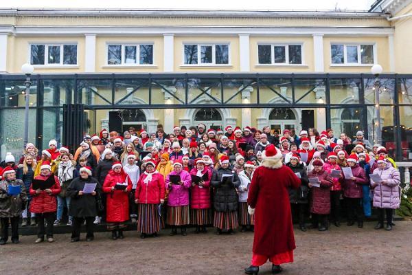 Winterliches, nächtliches Sängerfest