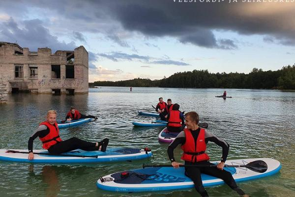 Izbrauciens ar kanoe laivām, plostu un gumijas laivām (raftings) Rummu karjerā