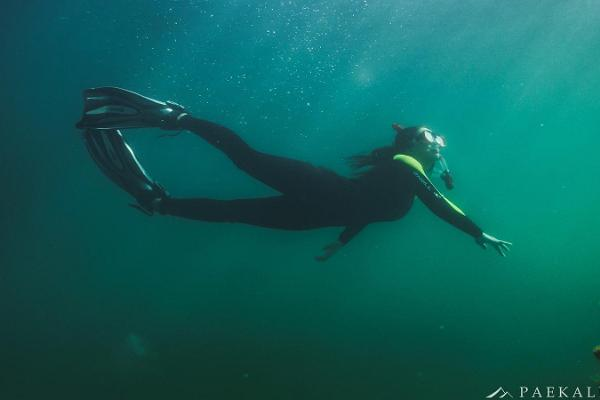 Snorkeling with a Paekalda Holiday Centre raft in Rummu Quarry